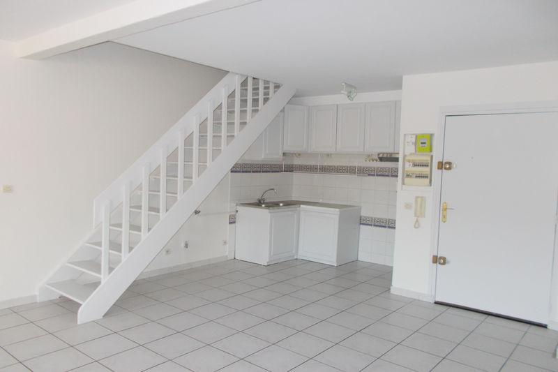 Appartement Saint-Génis-des-Fontaines Centre,  Location appartement   80m²
