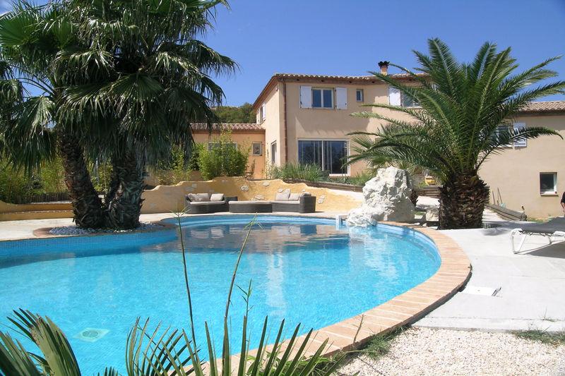 Villa Vivès   achat villa  6 chambres   204m²