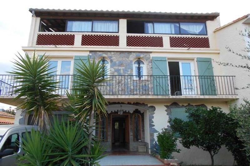 Villa Saint-André   achat villa  3 chambres   225m²