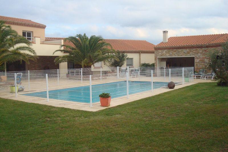 Villa Saint-Jean-Pla-de-Corts Village,   achat villa  9 chambres   380m²