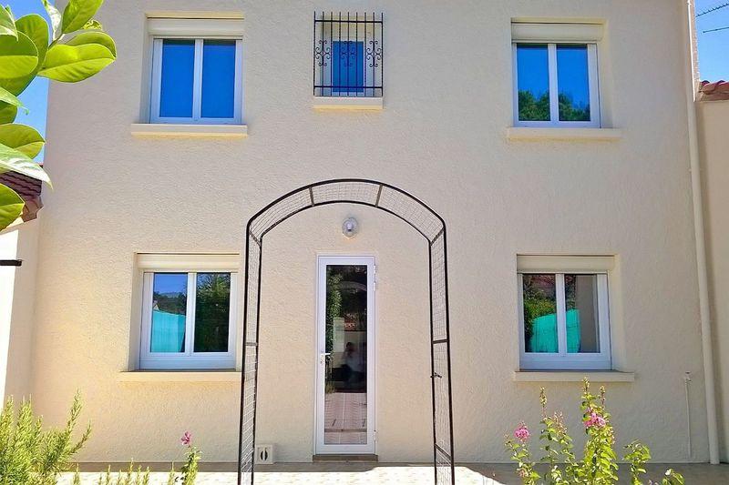 Photo Villa Saint-Jean-Pla-de-Corts   achat villa  4 chambres   128m²