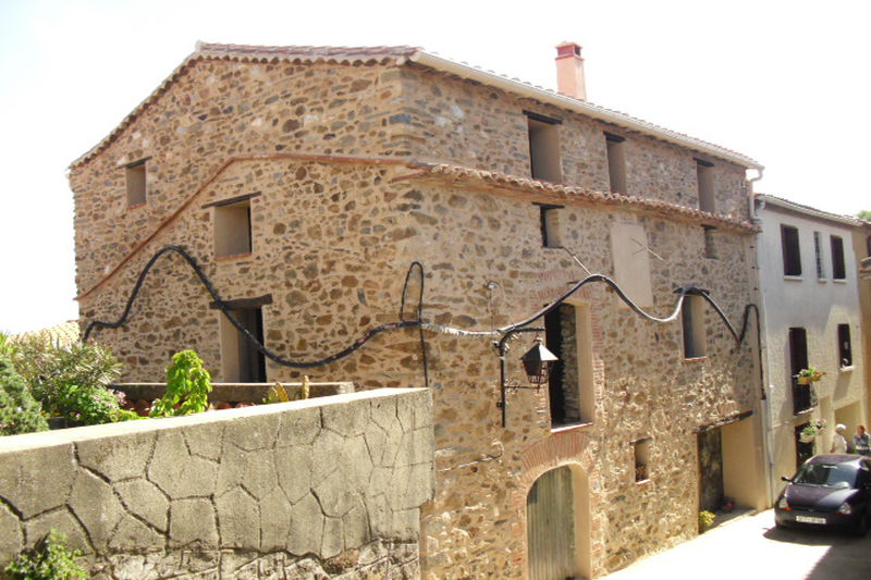 Village house Oms   to buy village house  9 rooms   190m²