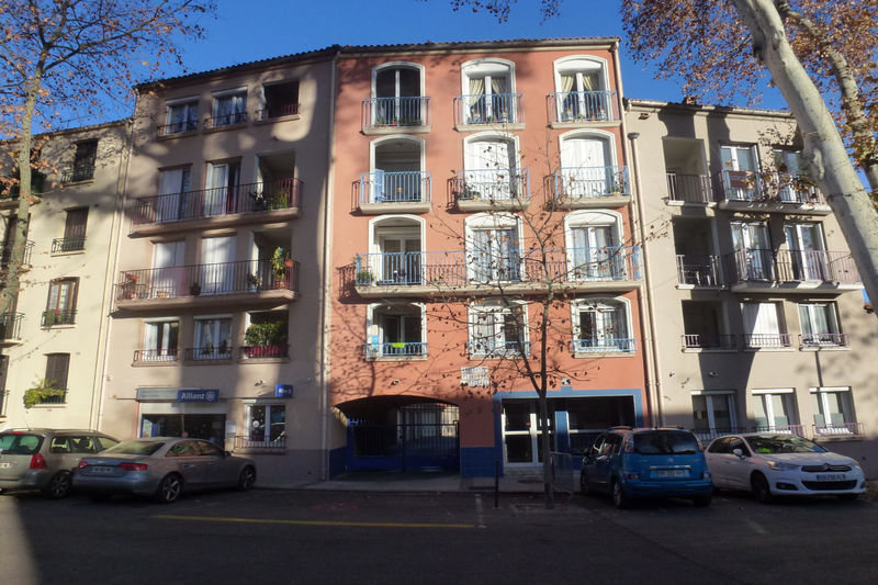 Photo Appartement Céret Vallespir,   achat appartement  3 pièces   69 m²