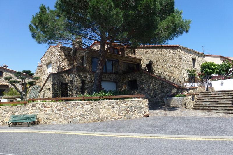 Maison Le Perthus   achat maison  3 chambres   146m²