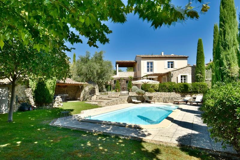 Location saisonnière maison de village Cabrières-d'Avignon  Maison de village Cabrières-d'Avignon Luberon,  Location saisonnière maison de village  4 chambres   200m²