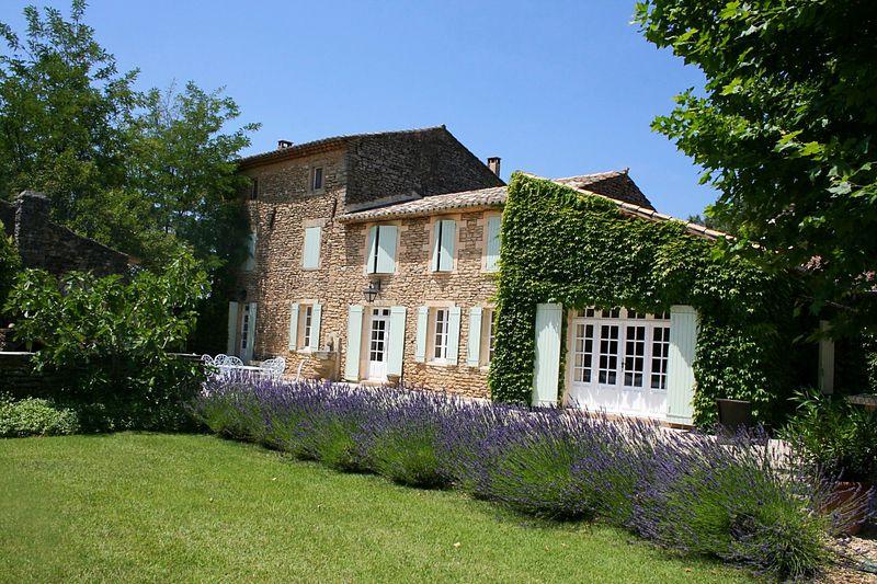 Vente maison en pierre Cabrières-d'Avignon  Maison en pierre Cabrières-d'Avignon Luberon,   achat maison en pierre  6 chambres   400m²