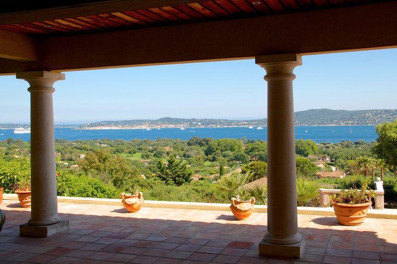 Vente villa Grimaud  Villa Grimaud Golfe de st tropez,   achat villa  5 chambres   300m²