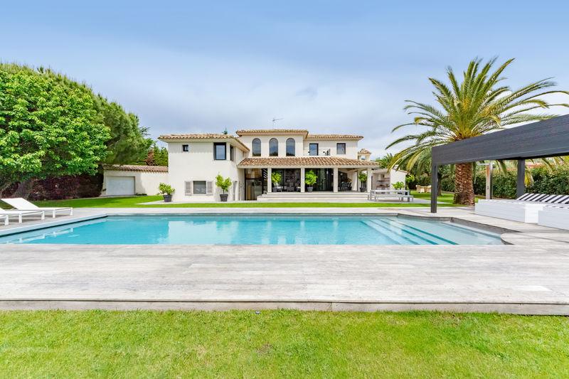 Vente villa Grimaud  Villa Grimaud Golfe de st tropez,   achat villa  4 chambres   227m²