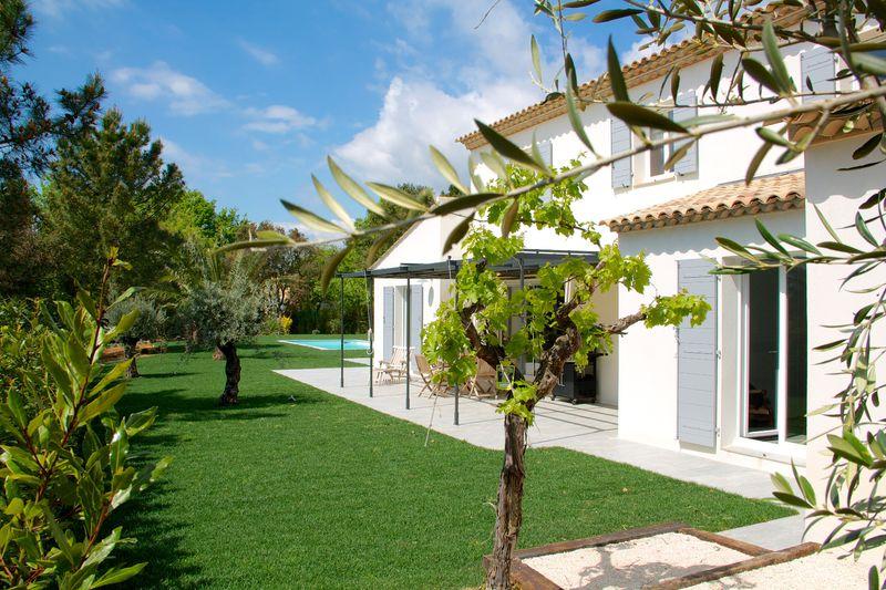 Vente villa Grimaud  Villa Grimaud Golfe de st tropez,   to buy villa  4 bedroom   160m²