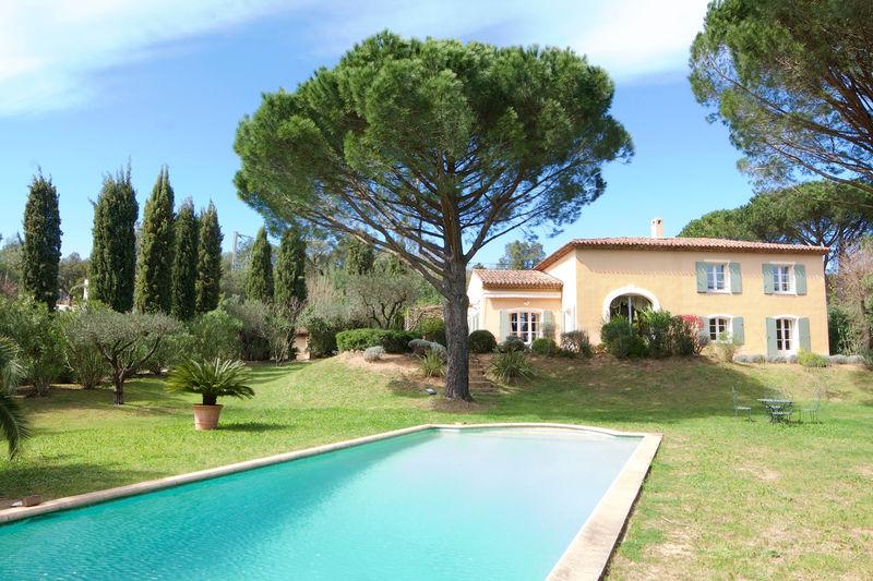 Vente villa Cogolin  Villa Cogolin Golfe de st tropez,   to buy villa  5 bedroom   240m²
