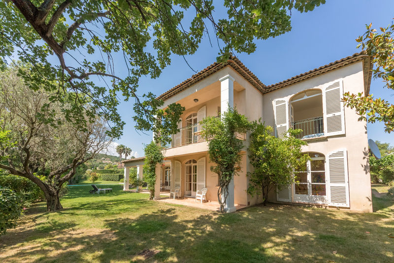 Vente villa Grimaud  Villa Grimaud Golfe de st tropez,   achat villa  3 chambres   150m²