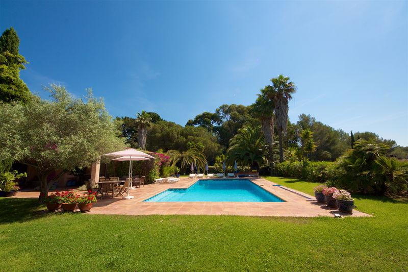 Vente villa La Croix-Valmer  Villa La Croix-Valmer Golfe de st tropez,   achat villa  4 chambres   180m²