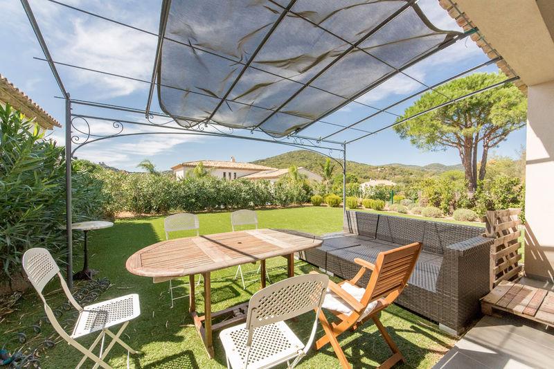 Vente villa Grimaud  Villa Grimaud Golfe de st tropez,   achat villa  2 chambres   90m²