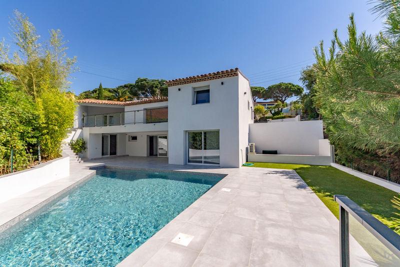 Vente villa Sainte-Maxime  Villa Sainte-Maxime Golfe de st tropez,   to buy villa  4 bedroom   230m²