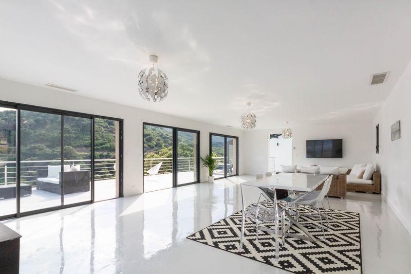 Vente villa Grimaud  Villa Grimaud Golfe de st tropez,   achat villa  5 chambres   230m²