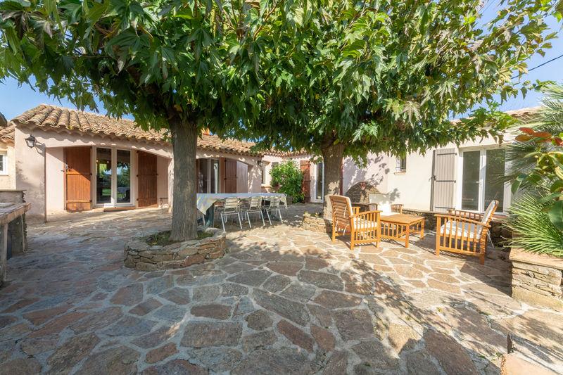 Vente villa Grimaud  Villa Grimaud Golfe de st tropez,   achat villa  6 chambres   230m²
