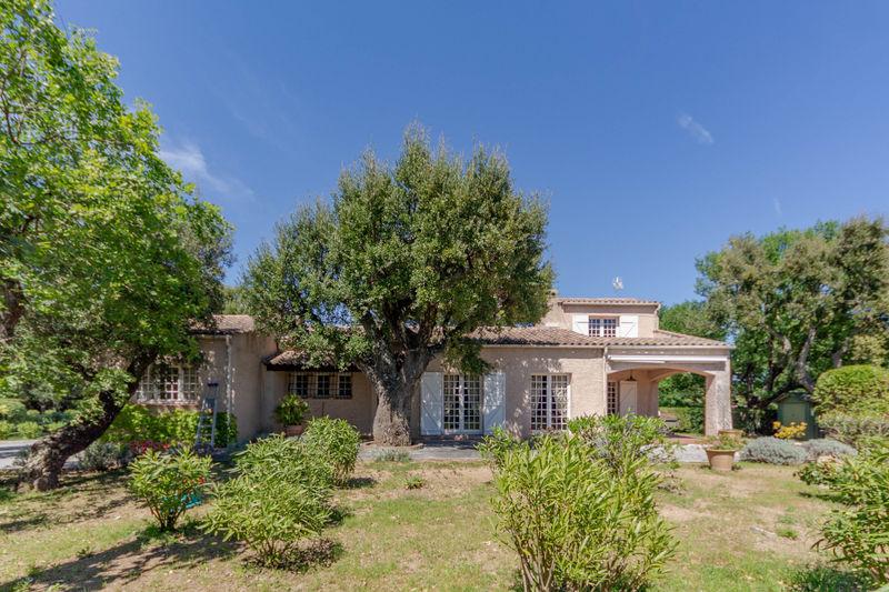 Vente villa Grimaud  Villa Grimaud Golfe de st tropez,   achat villa  4 chambres   140m²