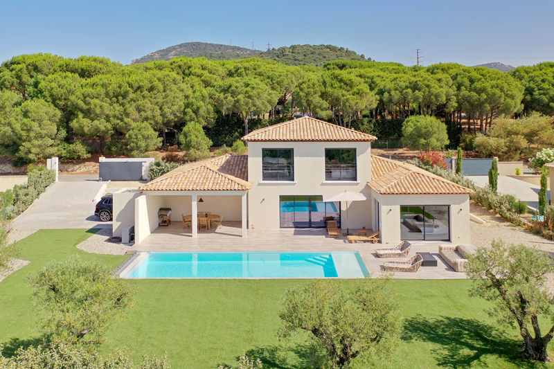 Vente villa Grimaud  Villa Grimaud Golfe de st tropez,   achat villa  4 chambres   210m²