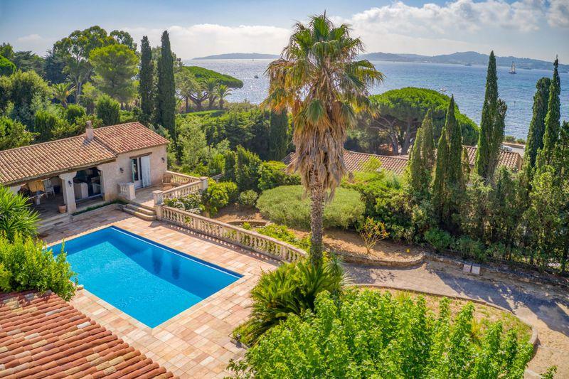 Vente villa Grimaud  Villa Grimaud Golfe de st tropez,   achat villa  6 chambres   220m²