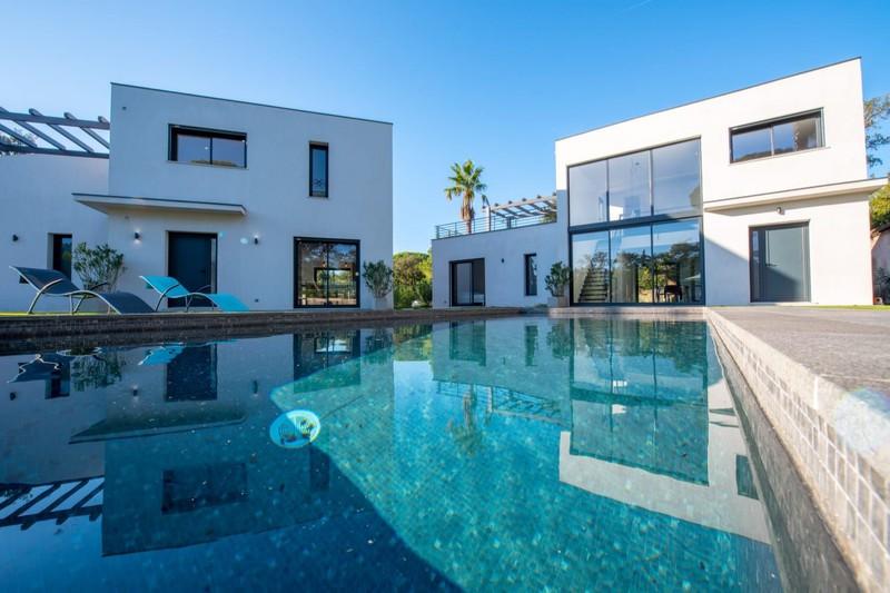 Vente maison contemporaine Grimaud  Maison contemporaine Grimaud Golfe de st tropez,   achat maison contemporaine  6 chambres   300m²