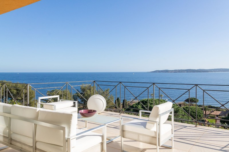 Vente villa Sainte-Maxime  Villa Sainte-Maxime Golfe de st tropez,   achat villa  3 chambres   210m²