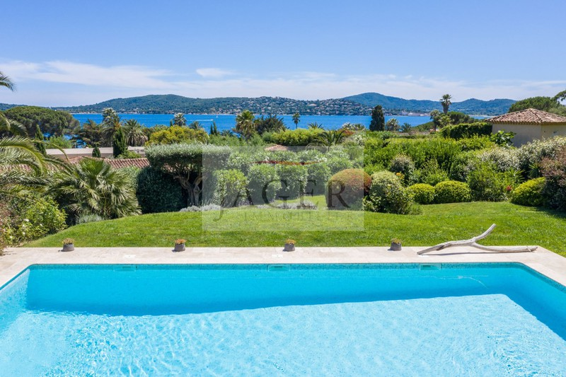 Vente villa Grimaud  Villa Grimaud Golfe de st tropez,   achat villa  5 chambres   250m²