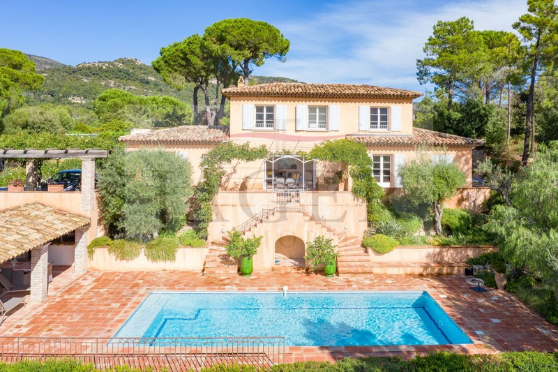 Vente villa Le Plan-de-la-Tour  Villa Le Plan-de-la-Tour Golfe de st tropez,   to buy villa  4 bedroom   200 m²