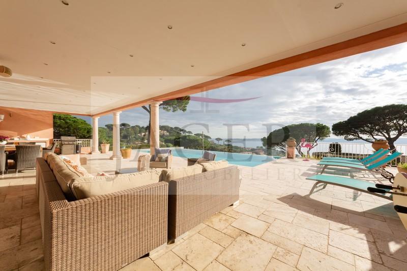 Vente villa Sainte-Maxime  Villa Sainte-Maxime Golfe de st tropez,   achat villa  4 chambres   410m²