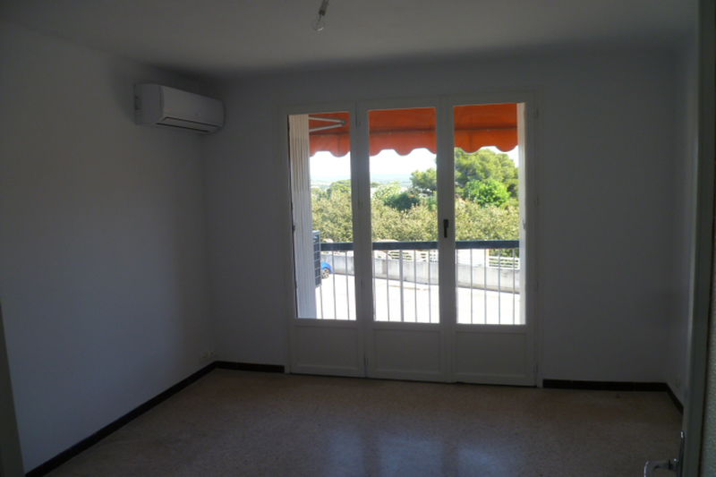 Photo Apartment La Ciotat Périphérique centre ville,  Rentals apartment  3 rooms   56 m²