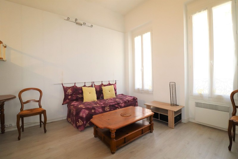 Appartement La Ciotat Centre-ville,  Location appartement  2 pièces   33m²