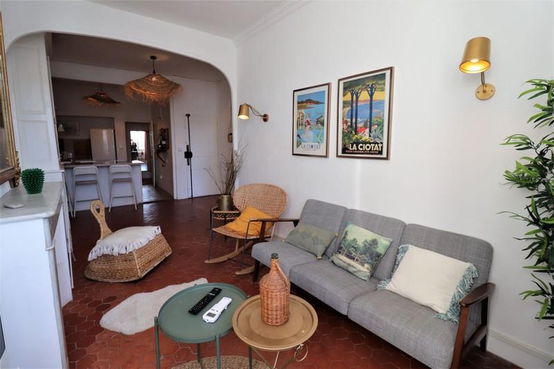 Appartement La Ciotat Centre-ville,  Location appartement  3 pièces   65m²