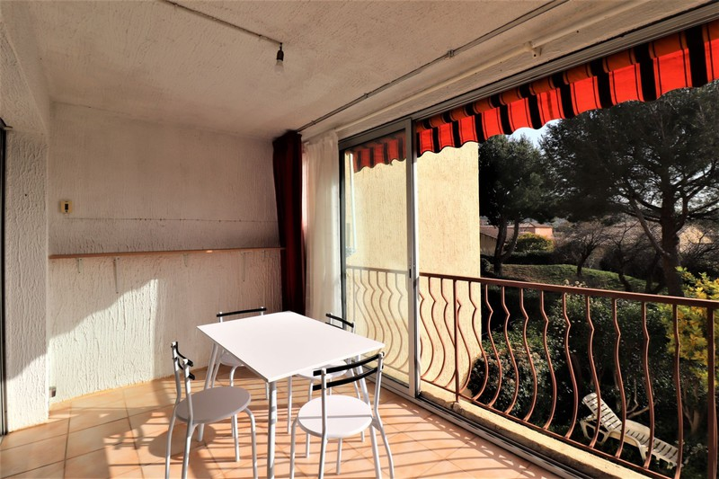 Photo Apartment Saint-Cyr-sur-Mer La banette,  Rentals apartment  1 room   25m²