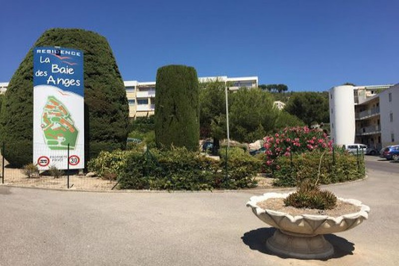 Apartment La Ciotat La baie des anges,  Rentals apartment  1 room   28 m²