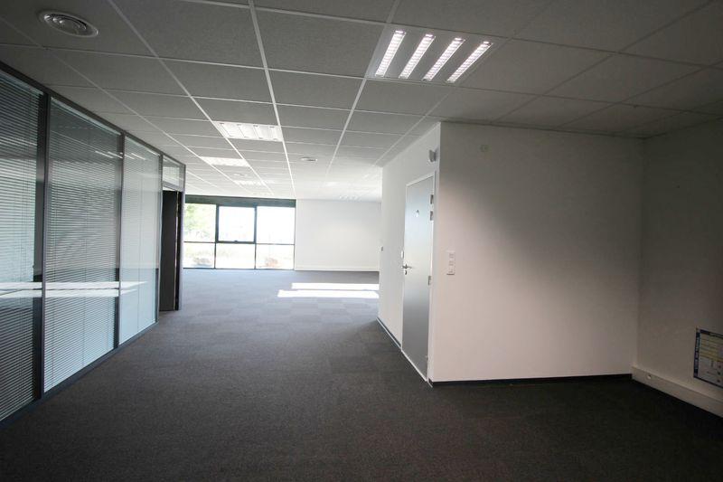 Bureau La Ciotat Zone athelia,  Professionnel bureau   155m²