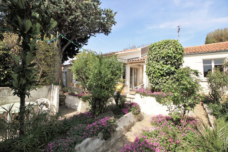 House Saint-Cyr-sur-Mer Centre-ville,   to buy house  4 bedrooms   116 m²