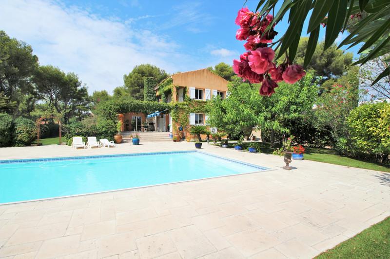Photo Maison de caractère La Ciotat   to buy maison de caractère  6 bedrooms   250m²