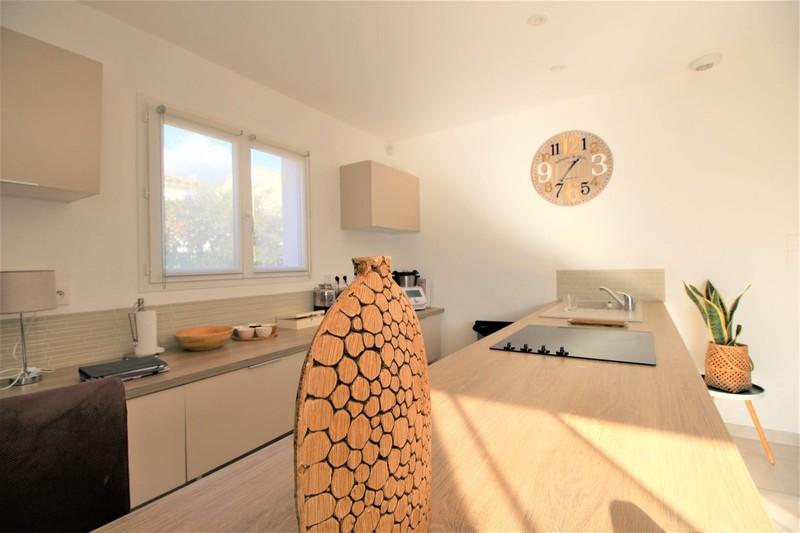 Photo n°2 - Vente maison contemporaine Saint-Cyr-sur-Mer 83270 - 600 000 €