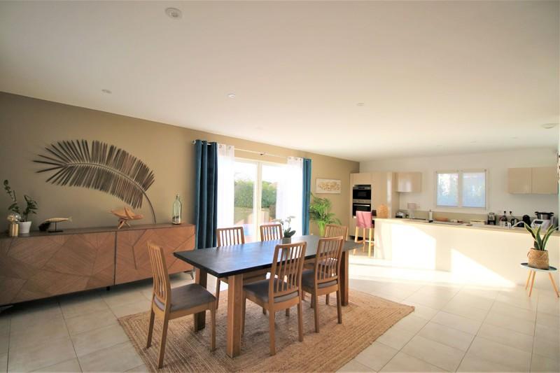 Photo n°4 - Vente maison contemporaine Saint-Cyr-sur-Mer 83270 - 600 000 €