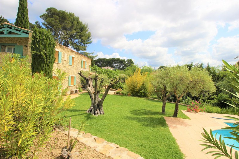 Mas Le Castellet   to buy mas  4 bedrooms   195 m²