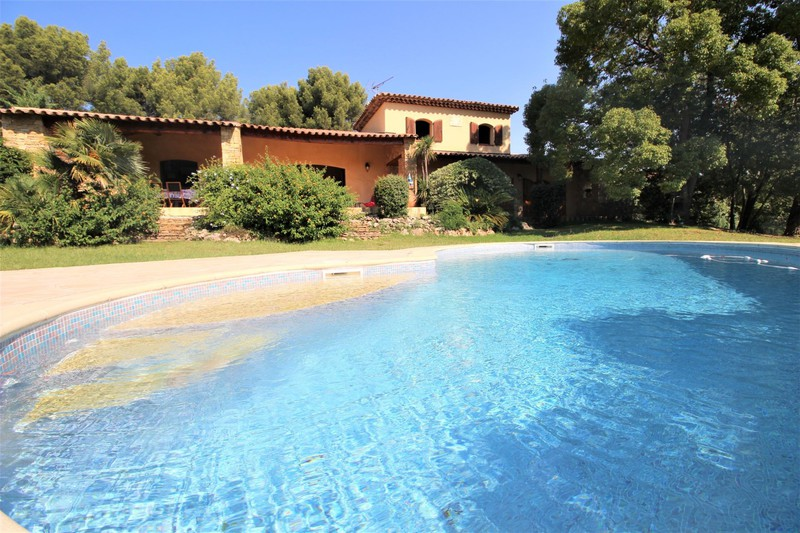 Villa Saint-Cyr-sur-Mer   achat villa  4 chambres   228m²