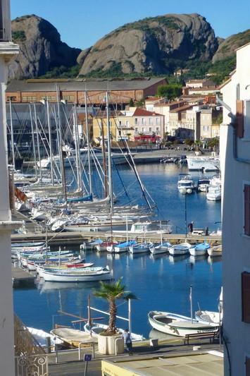 Photo Apartment La Ciotat Proche vieux port,   to buy apartment  3 rooms   57m²