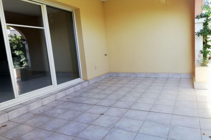 Photo Appartement Saint-Cyr-sur-Mer   achat appartement  3 pièces   64m²