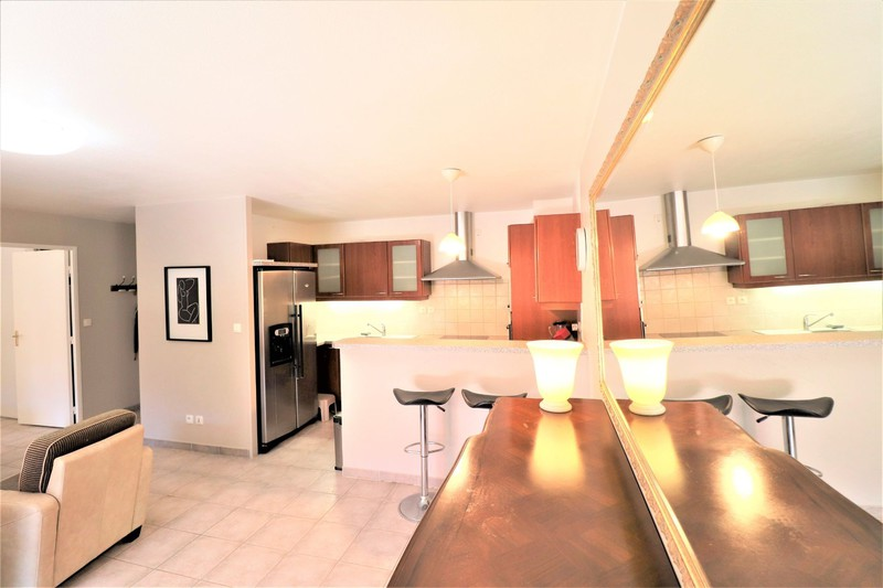 Photo n°2 - Vente appartement Saint-Cyr-sur-Mer 83270 - 312 000 €