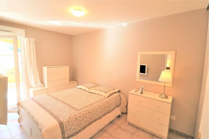 Photo n°3 - Vente appartement Saint-Cyr-sur-Mer 83270 - 312 000 €