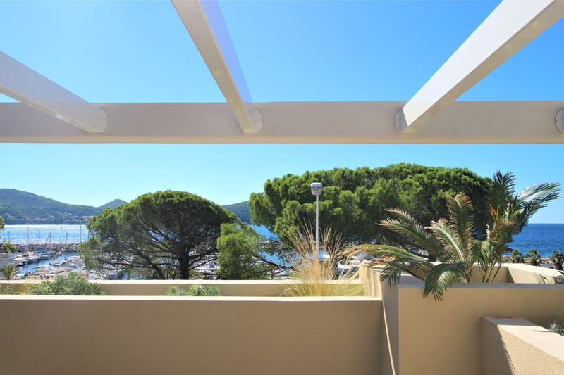 Photo n°1 - Vente appartement Saint-Cyr-sur-Mer 83270 - 780 000 €