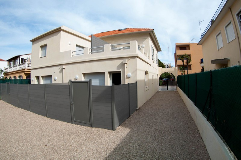 Photo n°1 - Vente appartement Juan-les-Pins 06160 - 379 000 €