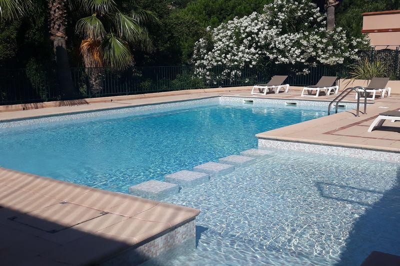 Photo n°2 - Vente maison de hameau Sainte-Maxime 83120 - 484 000 €