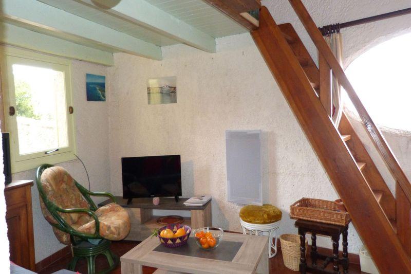 Photo n°2 - Location appartement Le Plan-de-la-Tour 83120 - Prix sur demande