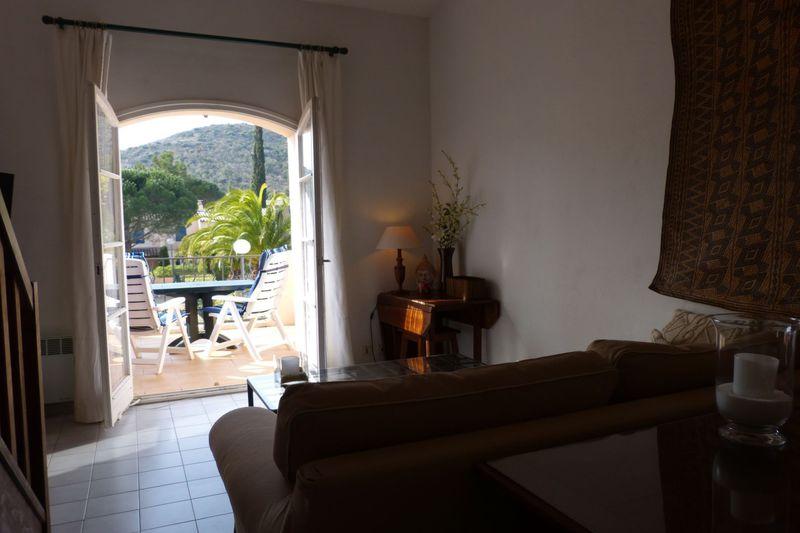 Photo n°2 - Location appartement Le Plan-de-la-Tour 83120 - 525 €