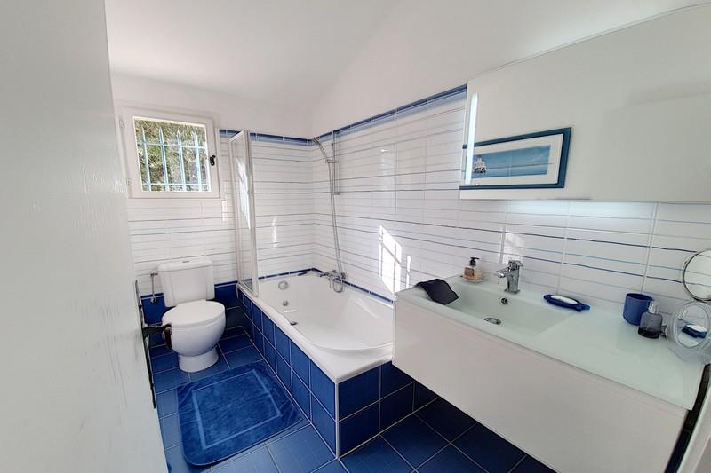Photo n°8 - Vente appartement Le Plan-de-la-Tour 83120 - 315 000 €